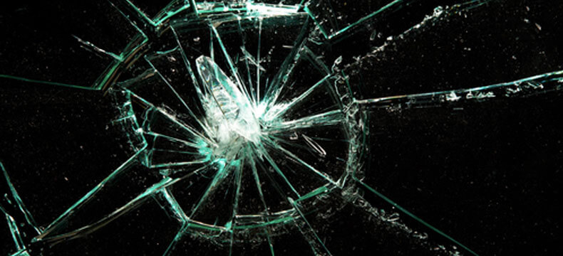 Does Your Windshield Need Repair or Replacement?