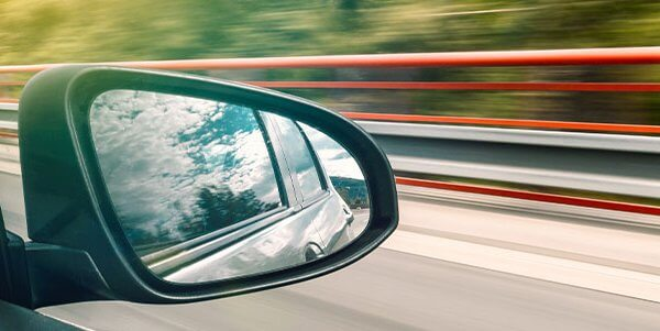 Damaged Side Mirror? Replace it Right Away!